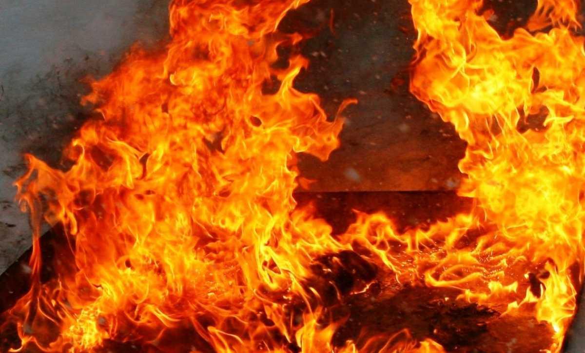 70 человек эвакуировали из-за пожара в Рудном