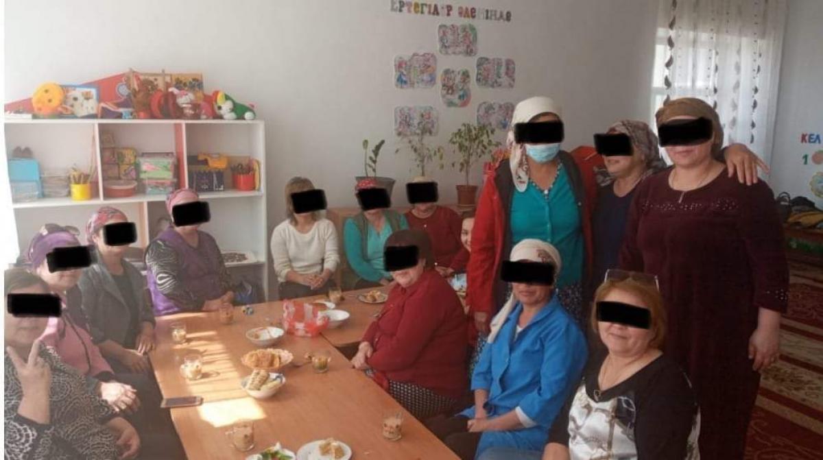 Субботник плавно перетек в вечеринку в детском саду
