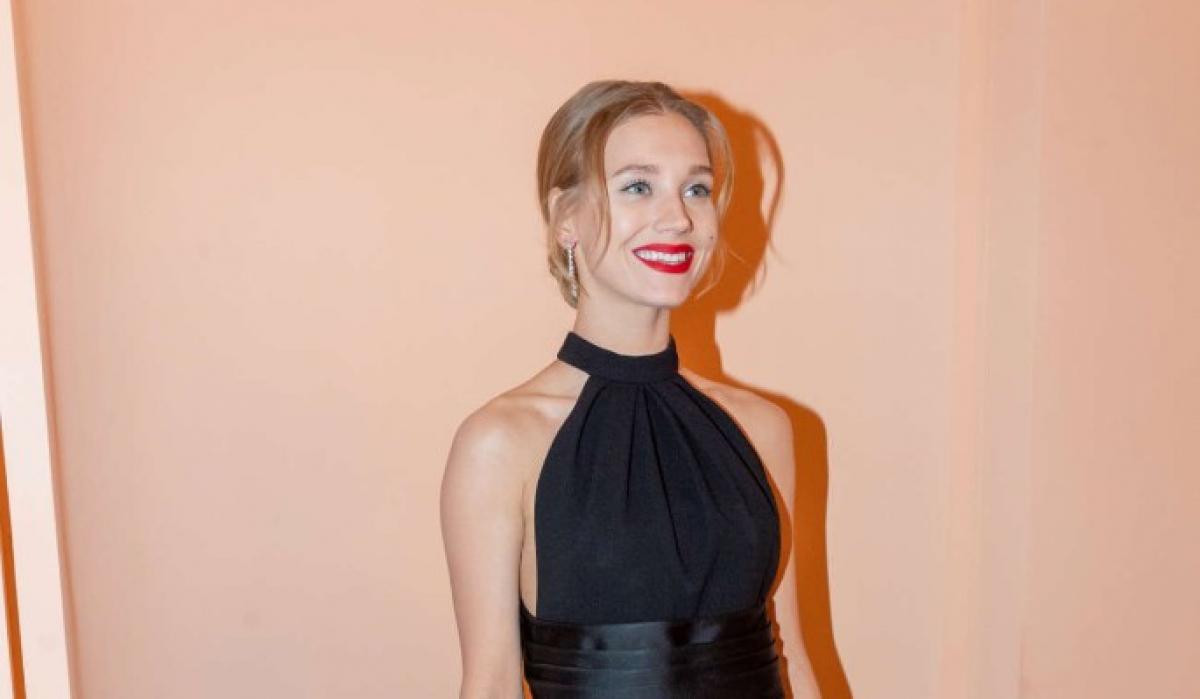Кристина Асмус заявила о смене фамилии