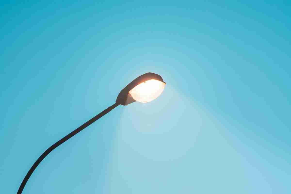 На 84 малоосвещенных участках Алмалинского района Алматы установят уличные светильники