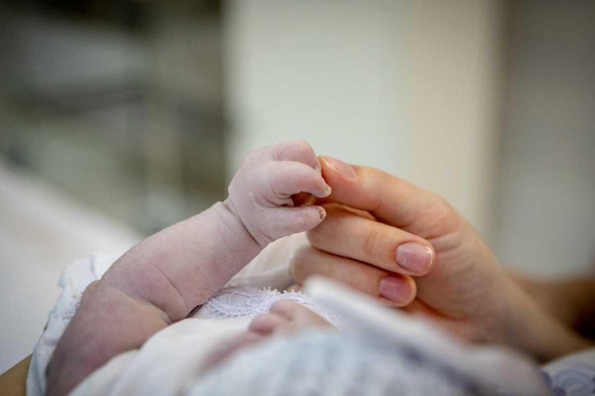 Каждую минуту в мире при рождении ребенка погибает одна женщина