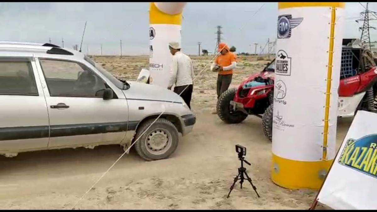 Бараны на трассе: В Сети появилось видео инцидента на «Ралли Казахстан-2021»