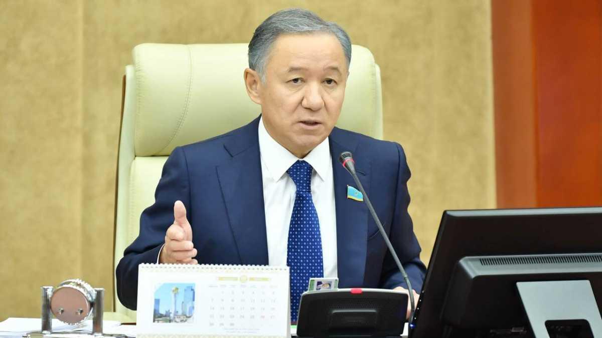 «Для начала сами пообщайтесь с народом»: Арман Шураев о критике Нигматулина в адрес Цоя