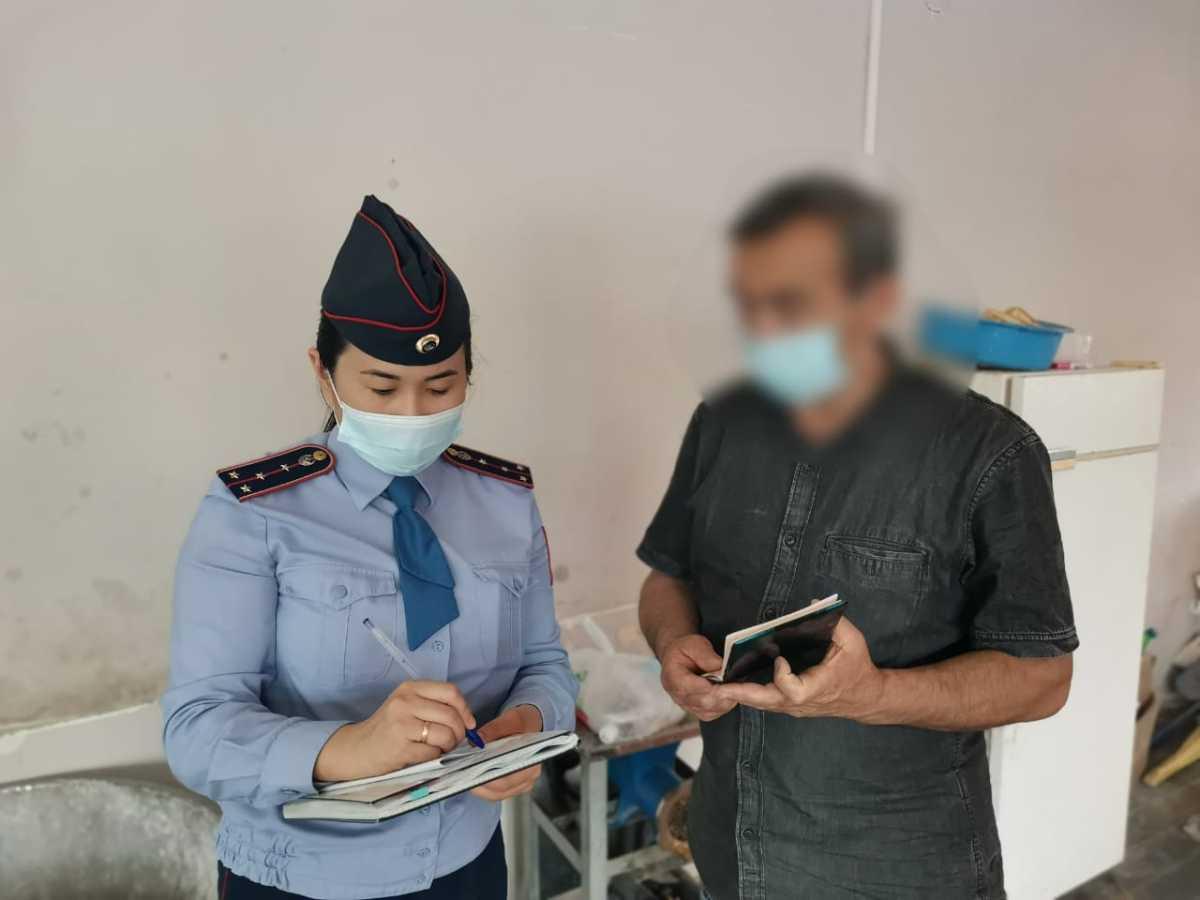 Канал незаконной миграции перекрыли полицейские Алматы