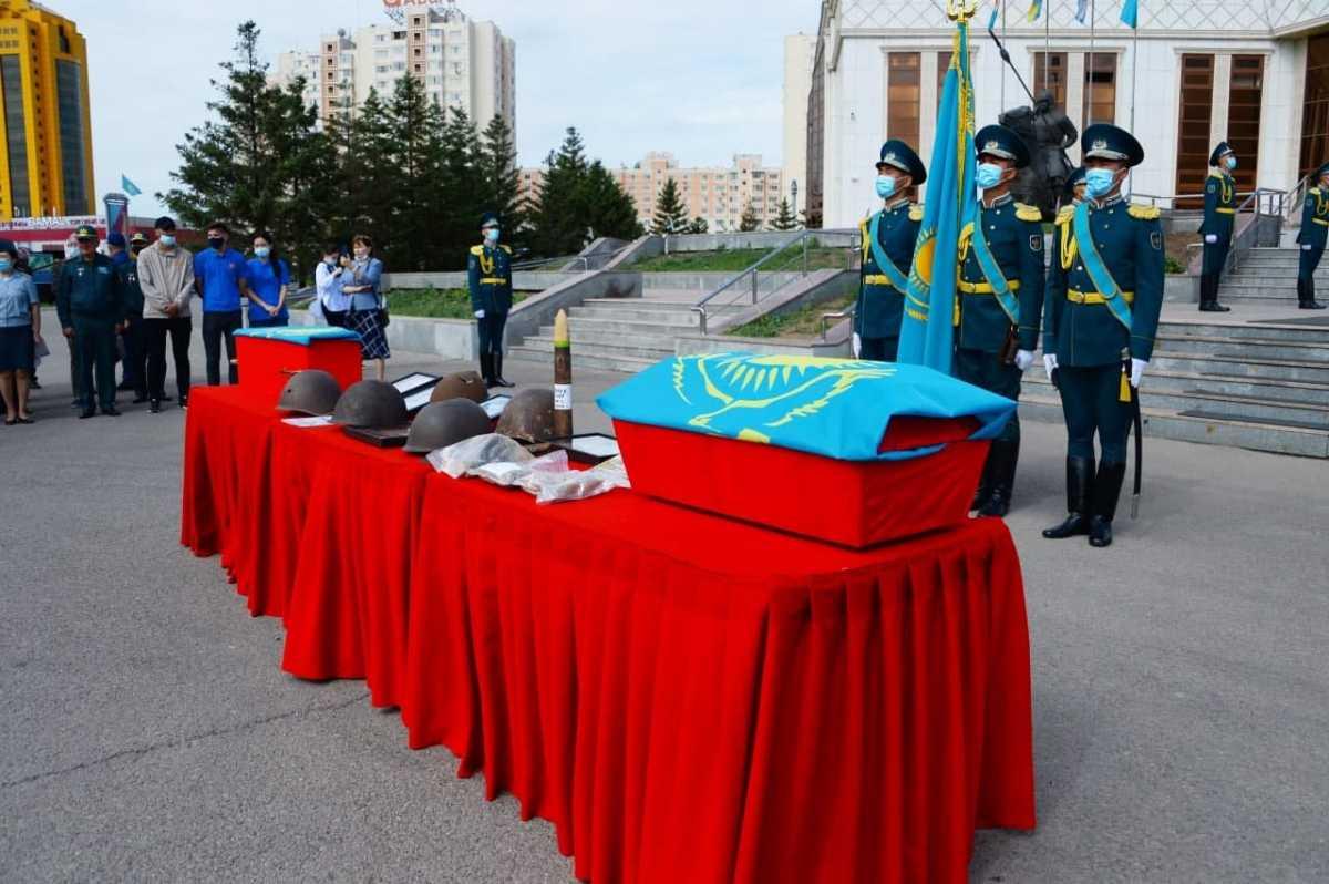 Вернулись из безвестности: останки погибших воинов-казахстанцев переданы родным