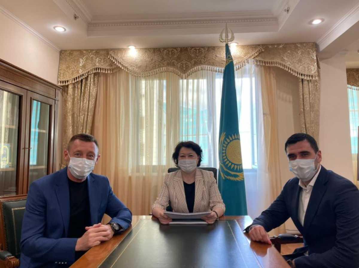 Министр культуры встретилась с главным тренером и ген. директором ФК «Астана»