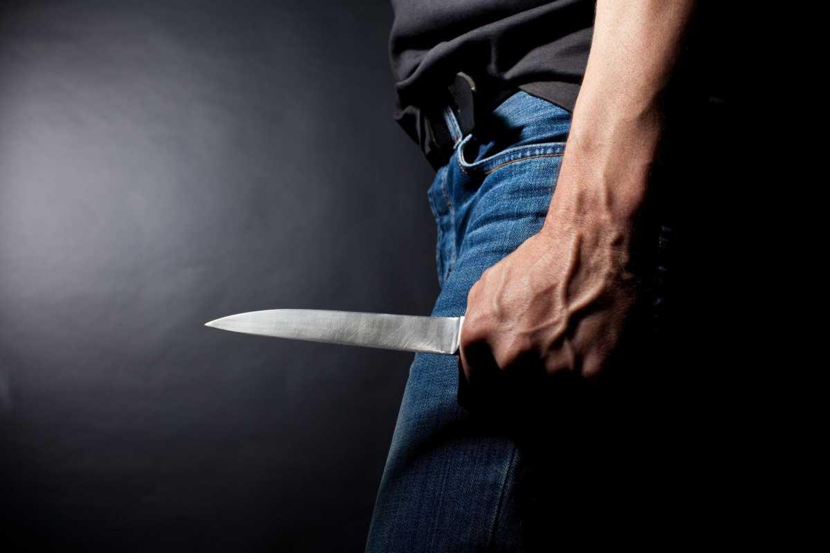 Мужчина убил женщину на улице, а после пытался покончить с собой в Костанае