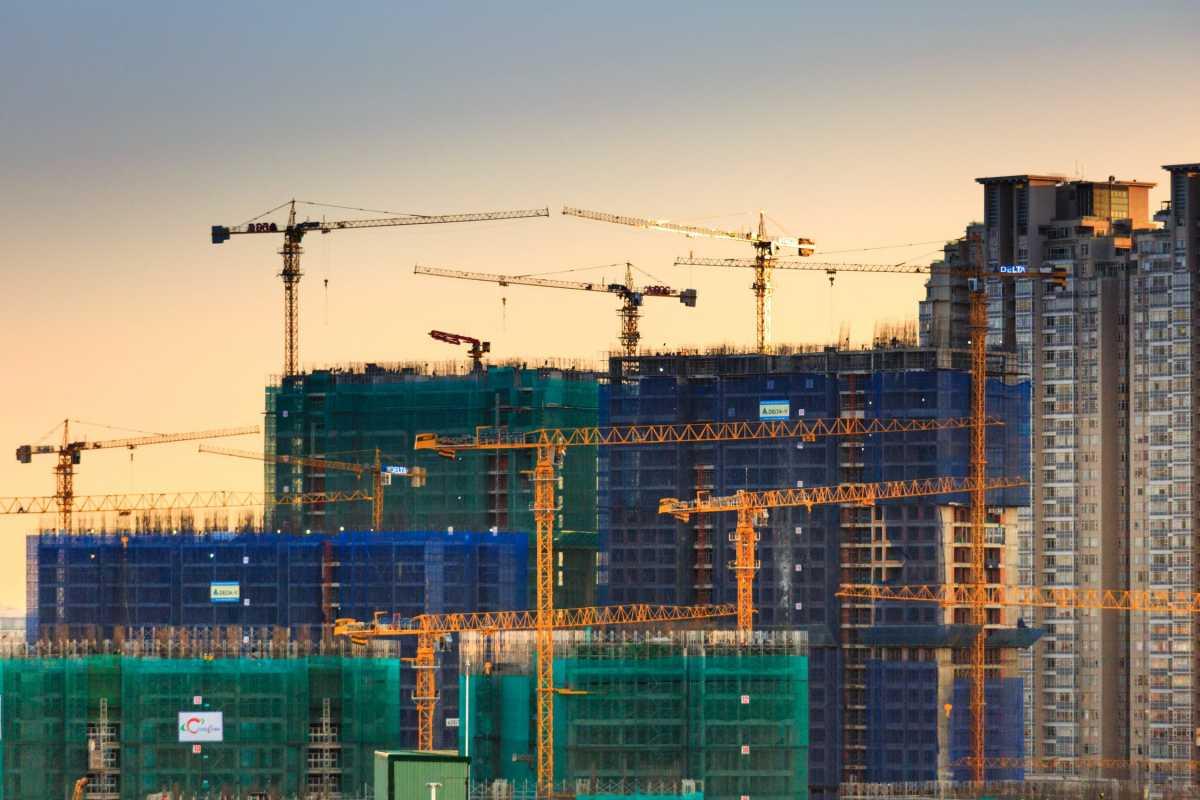 Составлен список строительных организаций, не имеющих права принимать деньги дольщиков в Нур-Султане
