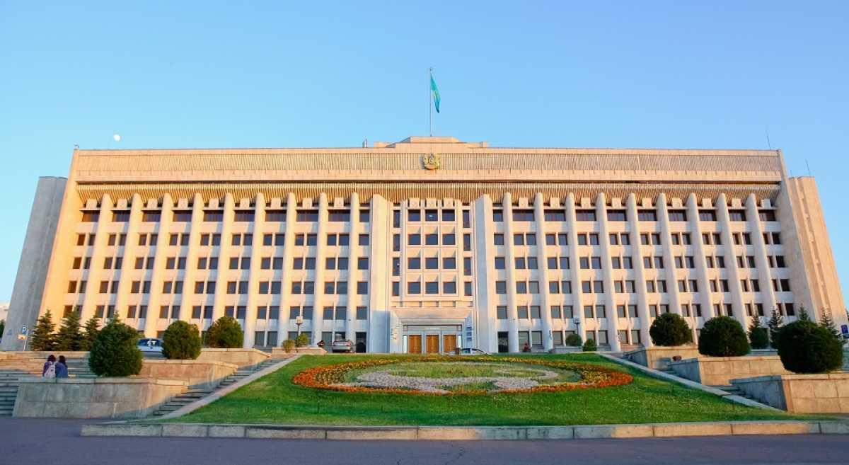 Как казахстанцы оценили работу акиматов — опрос