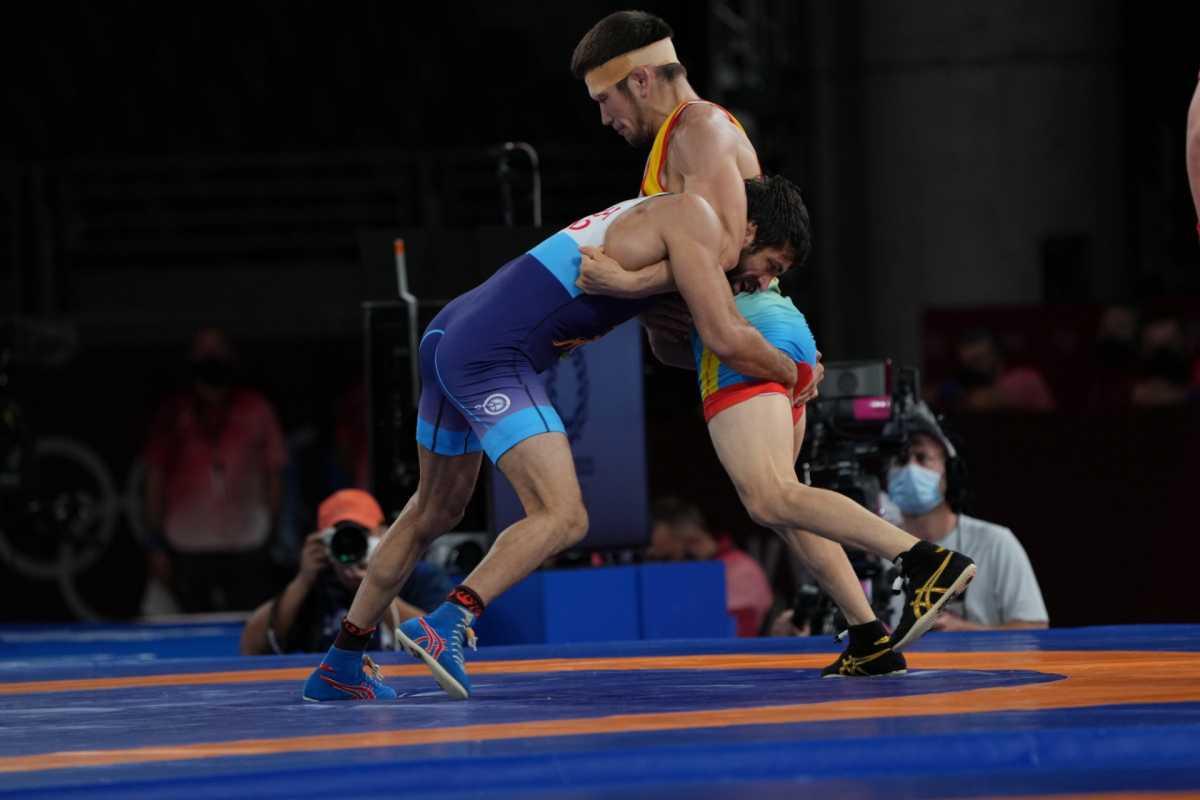 Казахстанский борец сразится за «бронзу» Олимпийских игр в Токио