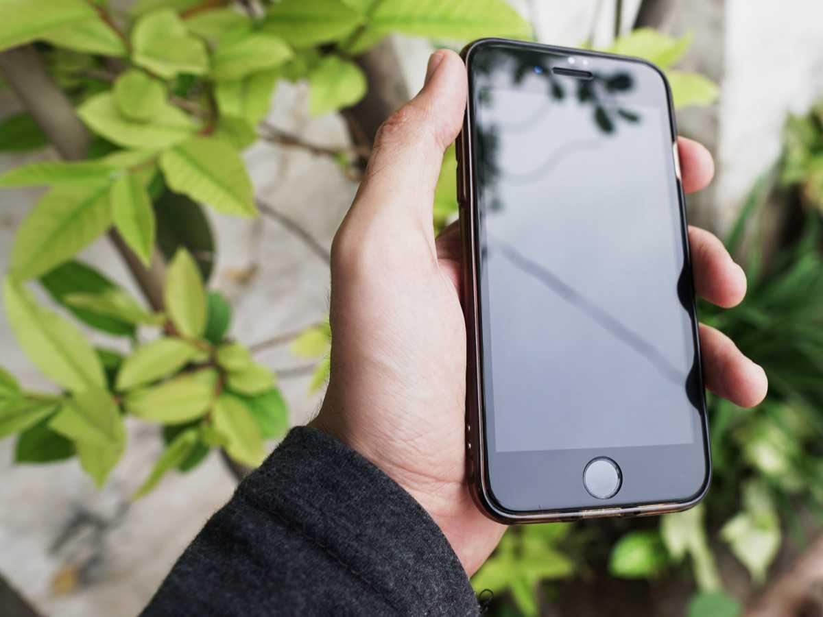 Пять iPhone 12 и другие ценные призы разыграют среди вакцинированных в Нур-Султане