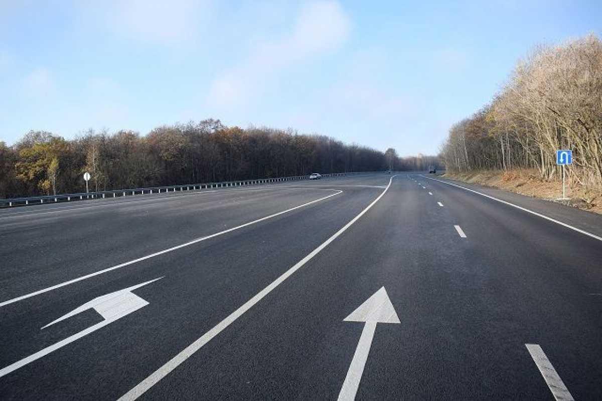 В Алматы открыли новую четырехполосную дорогу