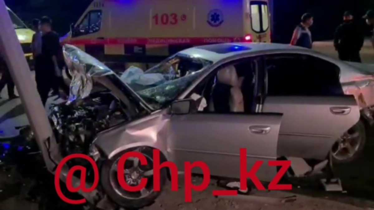 2 человека погибли, 5 человек пострадали в результате ДТП в Алматы