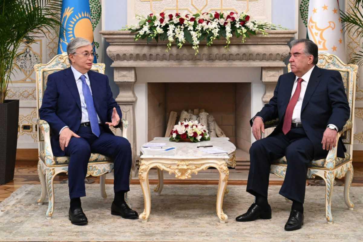 Касым-Жомарт Токаев встретился с Президентом Таджикистана Эмомали Рахмоном