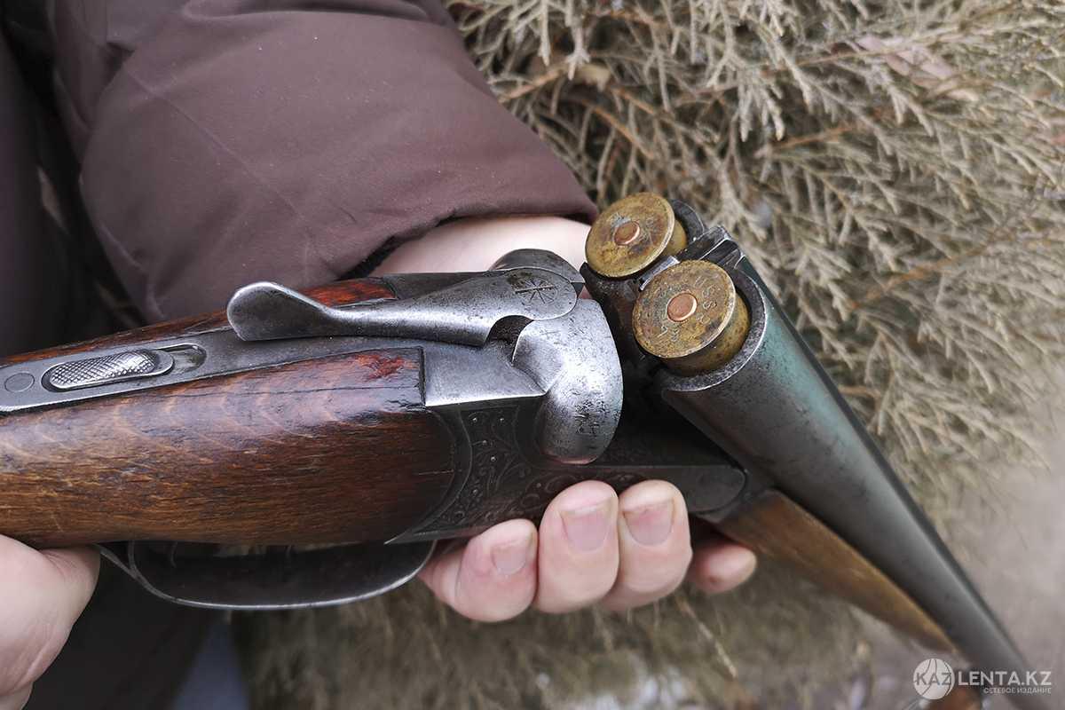 Не платил налоги, воевал на Донбассе - новые подробности об алматинском стрелке