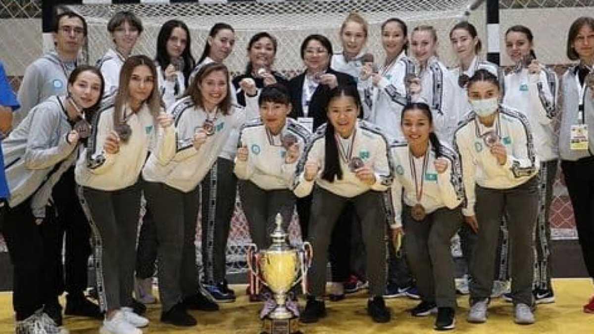 Сборная Казахстана завоевала