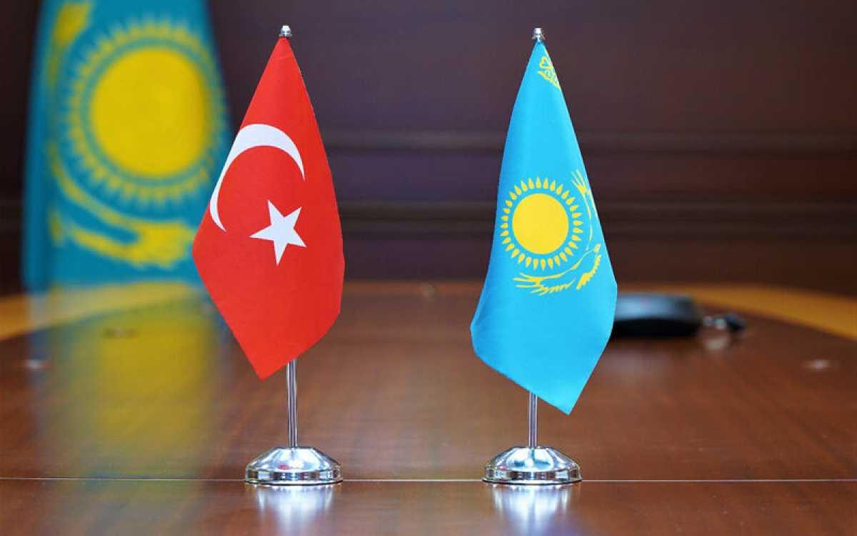 Глава МИИР встретился с Послом Турции в РК