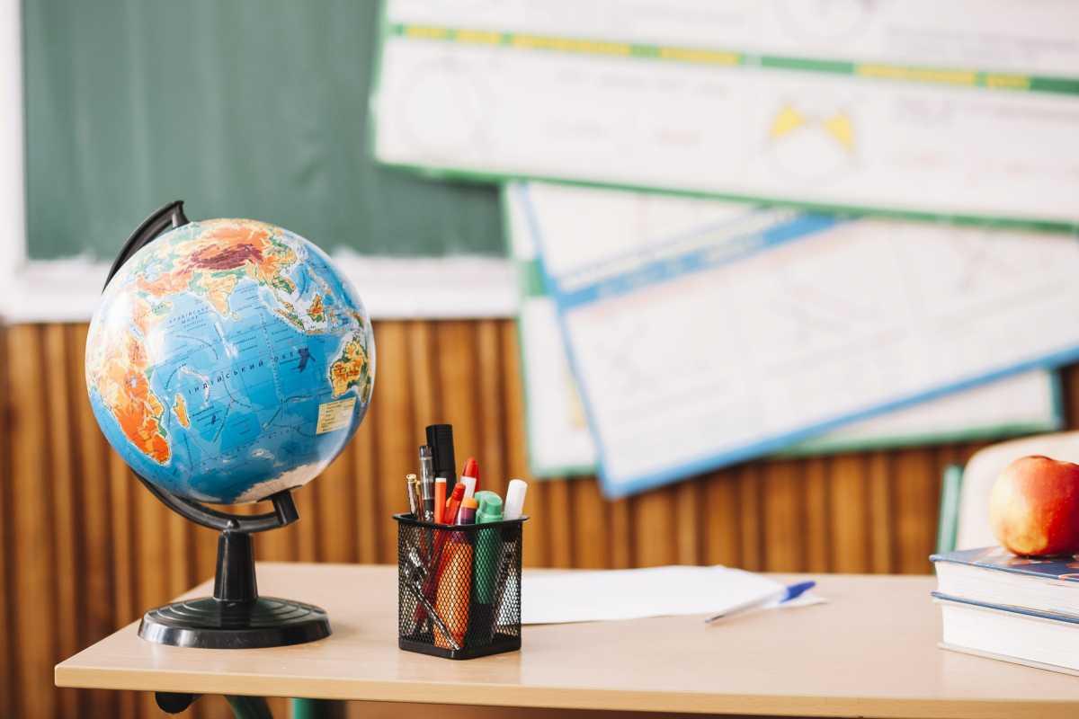 Задержку зарплаты педагогам в Алматы прокомментировали в Управлении образования